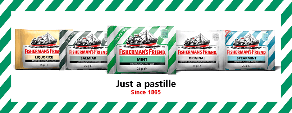 """<p>1865 var byen Fleetwood i Storbritannien kendt for sin store fiskeflåde og sine fiskere som arbejde i ekstreme barske forhold i Nord Atlanten. Den kolde og fugtige luft forårsagede ofte hoste, halsbetændelse og forkølelser. James Lofthouse, en ung apoteker i byen, udviklede en stærk væske med mentol ogeucalyptus som lindrede de hårdt arbejdende fiskeres hals. Glasflasker var dog upraktiske til havs så Lofthouse tog udviklede et alternativ i form af pressede pastiller. Halspastillerne blev hurtigt så populære blandt fiskerne at de ikke ville sejle ud uden deres""""venner"""" som de kaldte pastillerne – navnetFisherman´s Friend var født.</p>"""